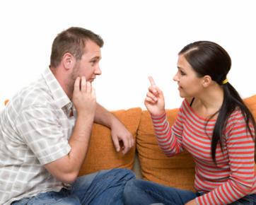 Yang Sebaiknya Dilakukan Saat Suami Masih Komunikasi dengan Mantan