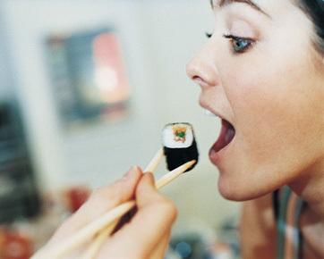 Kunci Sukses Diet Ala Dewi Hughes: Mantra Tidak Ingin Kurus