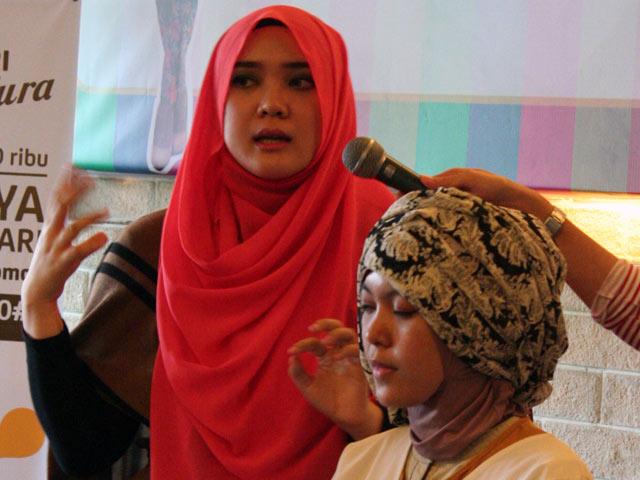Workshop Cantik Berhijab Indosat Mentari Hijab Hunt 2013