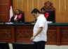 Freddy saat tiba di ruang sidang Pengadilan Negeri Jakarta Barat. Dalam persidangan ini, Freddy divonis hukuman mati.