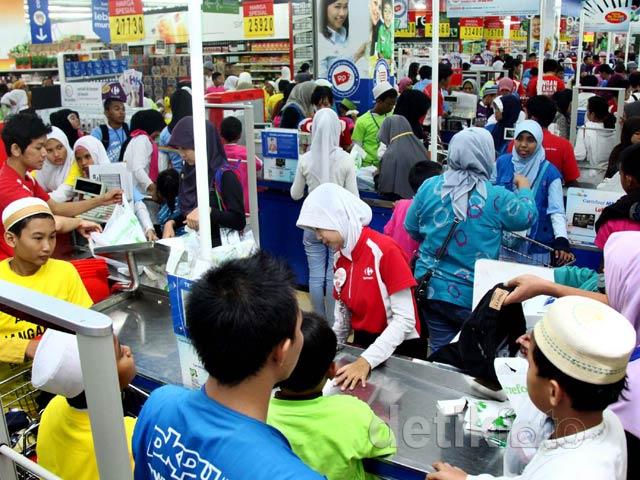 550 anak yatim belanja gratis di carrefour