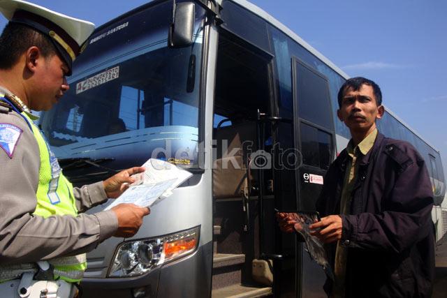 Razia Bus Pasca Kecelakaan Maut Karya Sari
