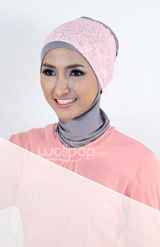 Tampil Simpel dan Feminin dengan Tutorial Hijab Warna