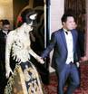 Malam itu, Zaskia nampak cantik mengenakan kebaya dengan Tema Golden Princess.