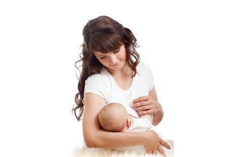 Bolehkah Bayi Baru Lahir Konsumsi Makanan Selain ASI?