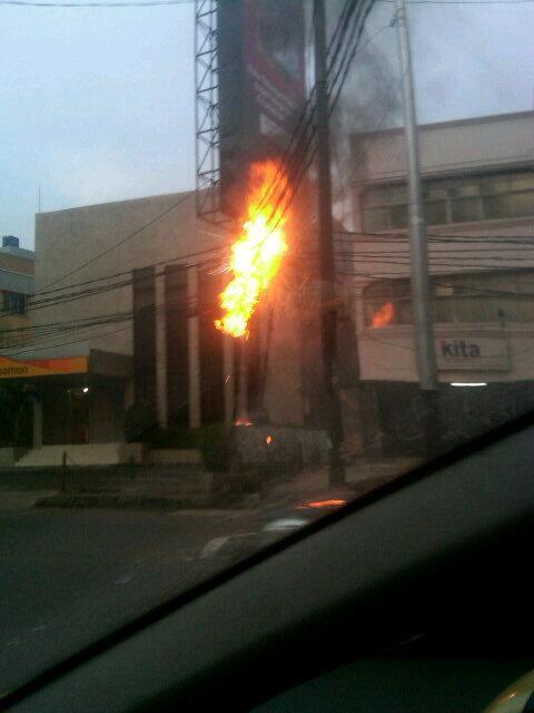 Kabel Listrik Meledak di Fatmawati, Lalu Lintas Tersendat