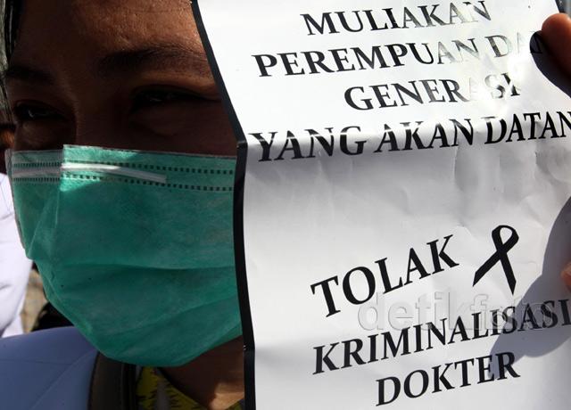 Aksi Solidaritas Tolak Kriminalisasi Dokter