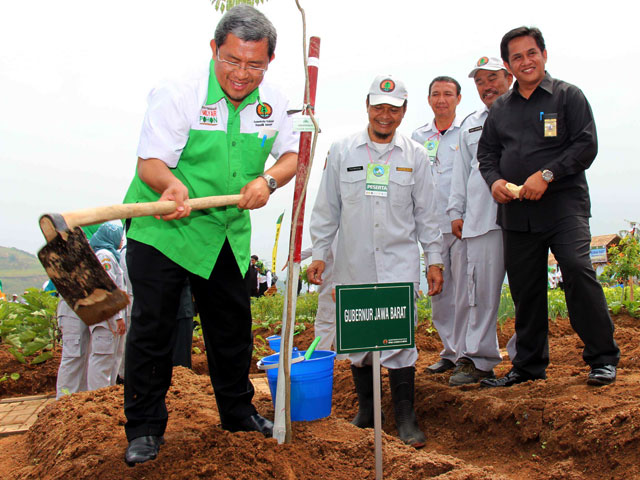 Ahmad Heryawan Hijaukan Cianjur