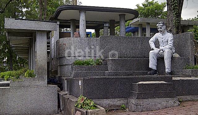 Menengok Makam Penerbang Belanda di Surabaya
