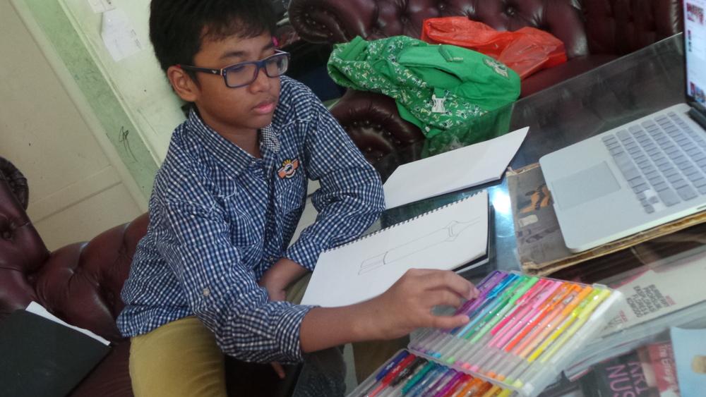 Impian Desainer Cilik Tuna Rungu: Bikin Baju untuk Michele Obama!