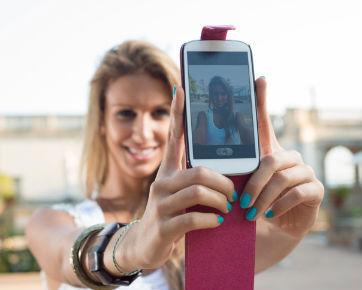 4 Dampak Negatif Social Media Bagi Kecantikan dan Kesehatan