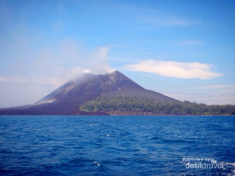 Krakatau, Gunung Legendaris Penuh Pesona