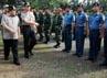 Gubernur Jawa Barat Ahmad Heryawan memeriksa pasukan pengamanan Pemilu 2014.