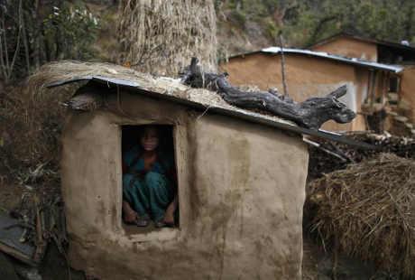 Di Pedalaman Nepal, Wanita yang Menstruasi Dikucilkan