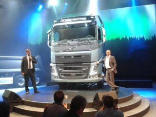 Berapa Harga 'Truk Pintar' Volvo di RI?