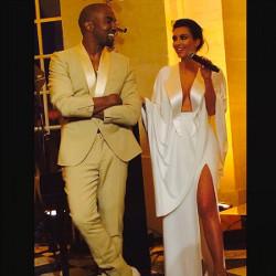 Kim Kardashian dan Kanye West Resmi Menikah di Florence