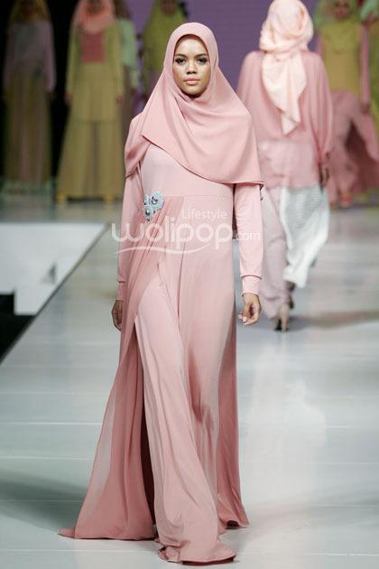 Hijab Style Koleksi Terbaru Najua Yanti Yang Cocok Untuk Wanita Feminin 3