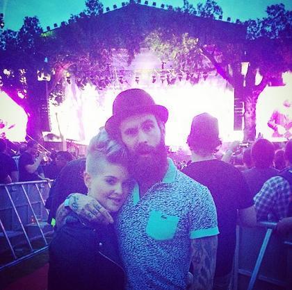 Punya Kekasih Baru, Kelly Osbourne Pamer Foto Ciuman