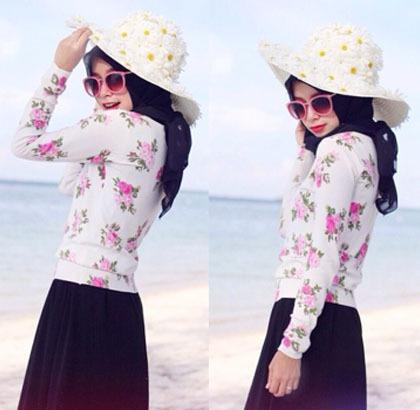 Hijab Style Bergaya Dengan Topi Besar Ala Zaskia Sungkar Para Selebgram 8