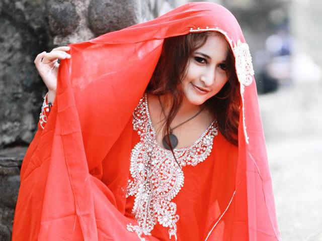 Pasca foto mesum pns rinada tampil dengan kaftan reheart Gallery