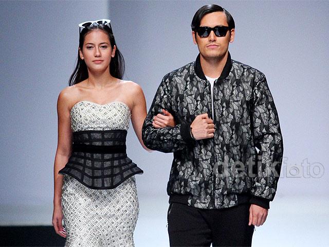 Pevita Pearce Gandeng Arifin Putra di Jakarta Fashion Week