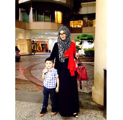 Hijab Style Gaya Stylish Ibu Anak Ala Selebgram Rezky Amelia Dan Daffa 2