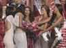 Paulina mendapat dukungan dari para kontestan lainnya. Alexander Tamargo/Getty Images/detikFoto.