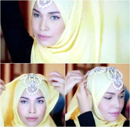 Tutorial Hijab dengan Kalung Sebagai Aksesori Kepala untuk ke Pesta 1