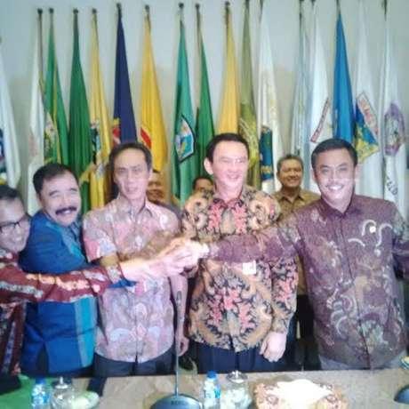 Tentang Makian dan Umpatan Kasar Anggota DPRD Jakarta untuk Ahok