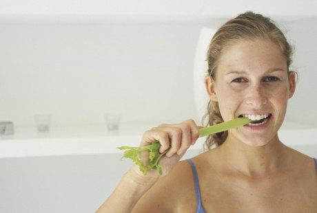 Makanan Mentah Tak Enak? Praktisi: Wajar, Lama-lama Pasti Terbiasa
