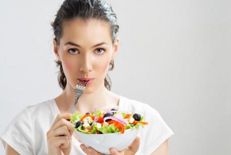 Prioritaskan Asupan Alami, Ini Efek Positif Raw Diet Terhadap Enzim Tubuh