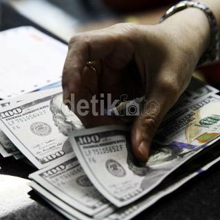 Manfaatkan Dolar Rp 13.000, Ini yang Dilakukan Pemerintahan Jokowi
