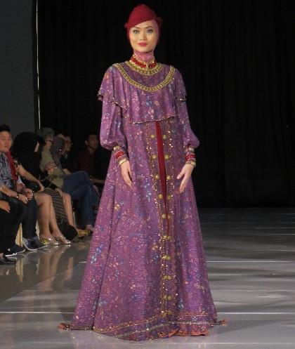Batik Minangkabau Di Tangan Desainer Dari Ade Listiani