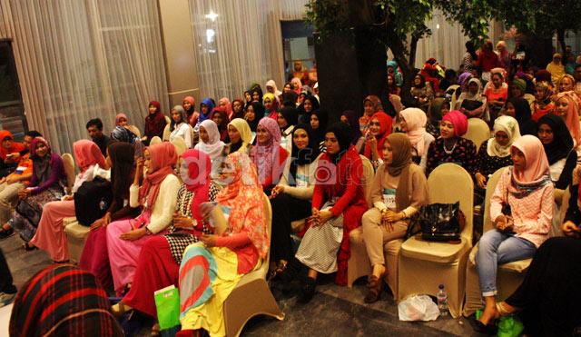 Ratusan hijabers mengikuti audisi Sunsilk Hijab Hunt di kota Surabaya.