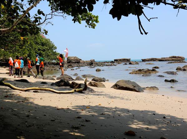 Legenda Kutukan Misteri Guci Di Pantai Guci Batu Kapal