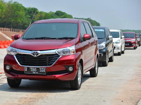 55 Koleksi Modifikasi Mobil Avanza Merah Gratis Terbaru