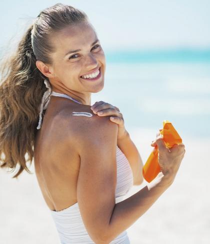 Sunscreen Dalam Bentuk Krim atau Spray, Mana yang Lebih Baik?