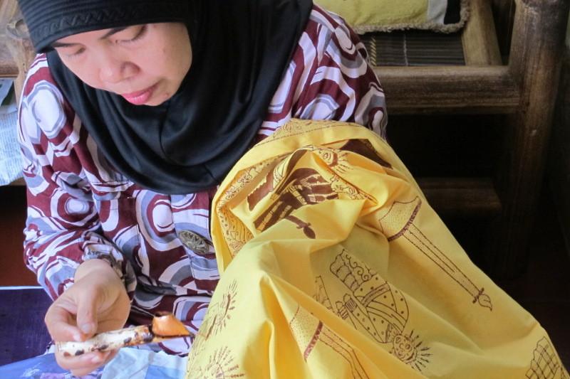Kata Siapa Jakarta Nggak Punya Batik, Ada Batik Betawi Nih