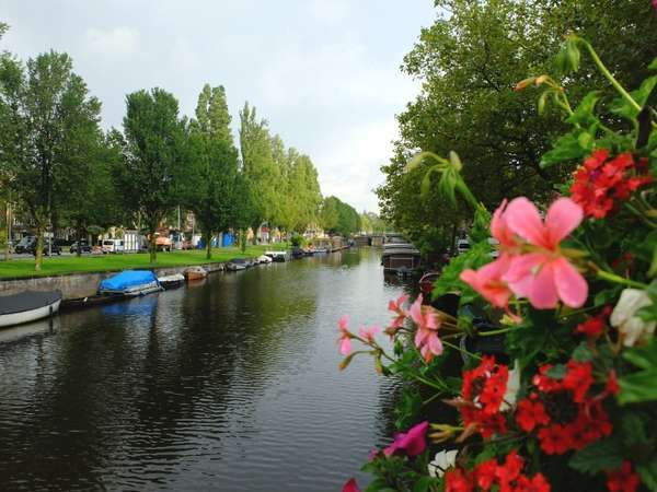 Tips Traveling Untuk Hijaber ke Belanda