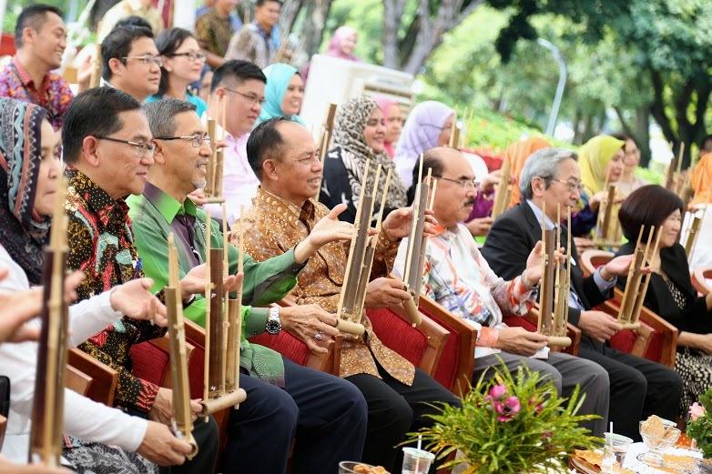 Pengusaha Ri Pamer Produk Kreatif Di Malaysia