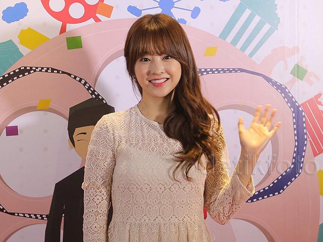 Manisnya Park Bo Young di Pembukaan Korea Indonesia Film Festival