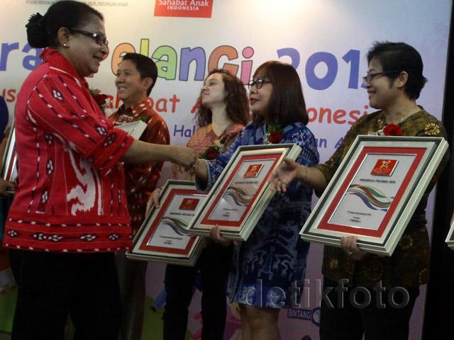 Delapan Perusahaan Raih Anugerah Pelangi 2015