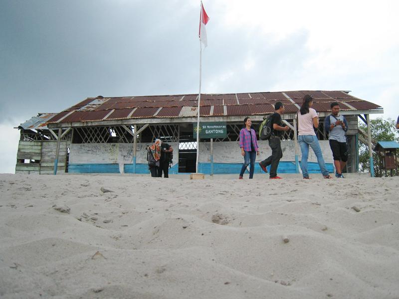 Sepenggal Kisah SD Laskar Pelangi yang Reyot di Belitung