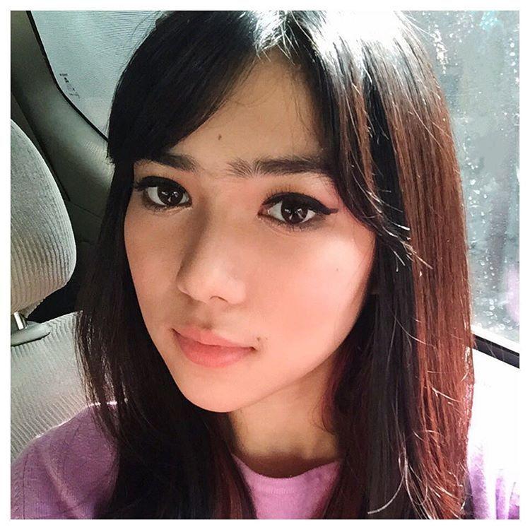 Wajah Bercahaya Terlihat Lebih Muda, Gaya Makeup Favorit Selebriti Indonesia