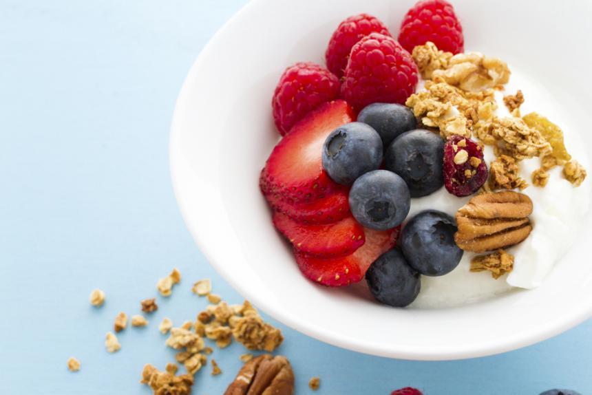 Riset: Konsumsi Yogurt Turunkan Risiko Tekanan Darah Tinggi pada Wanita