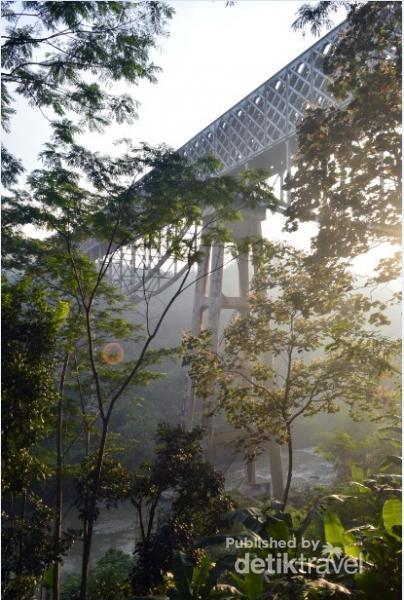 Jembatan Cirahong Destinasi Favorit Ngabuburit Di Ciamis