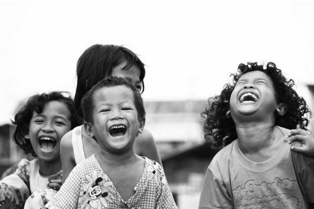 Tertawa Bersama Sahabat
