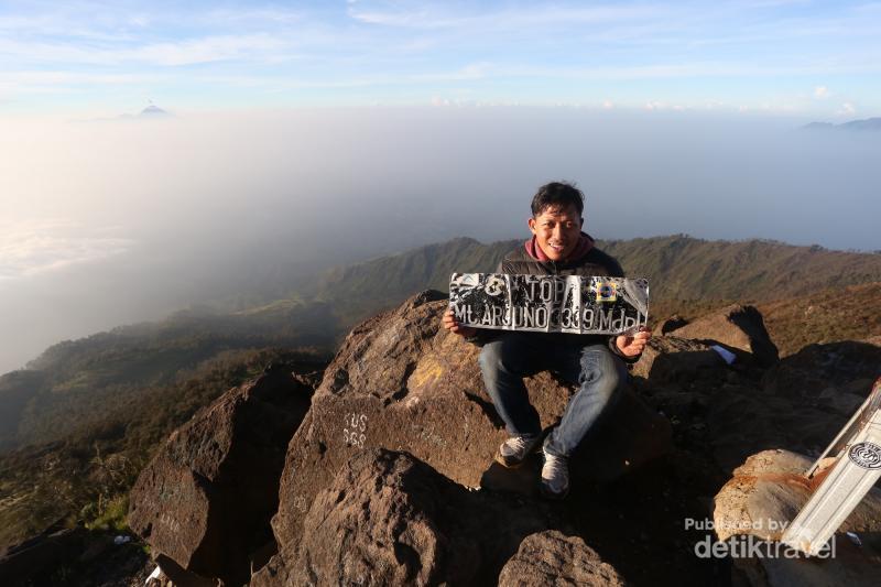 Gunung Arjuno Di Jawa Timur Tidak Kalah Cantik Dengan Semeru