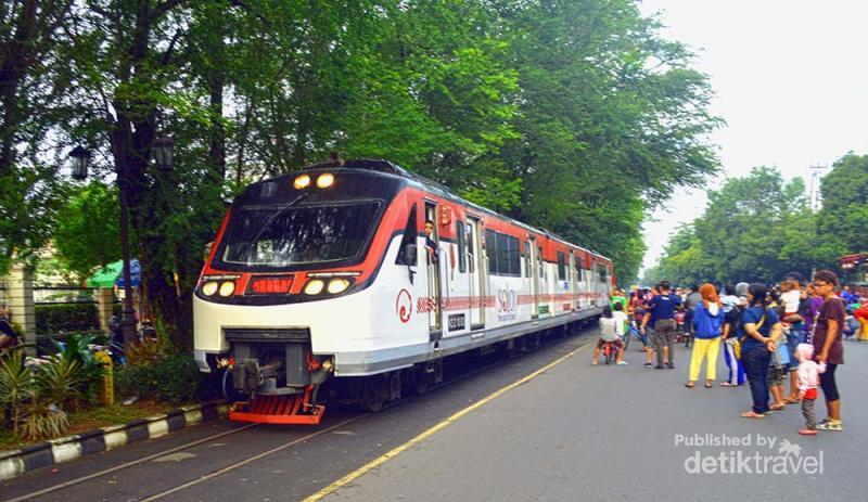 Jalur Kereta Unik Yang Membelah Kota Solo