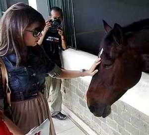 Nabila Syakieb Sayang Kuda